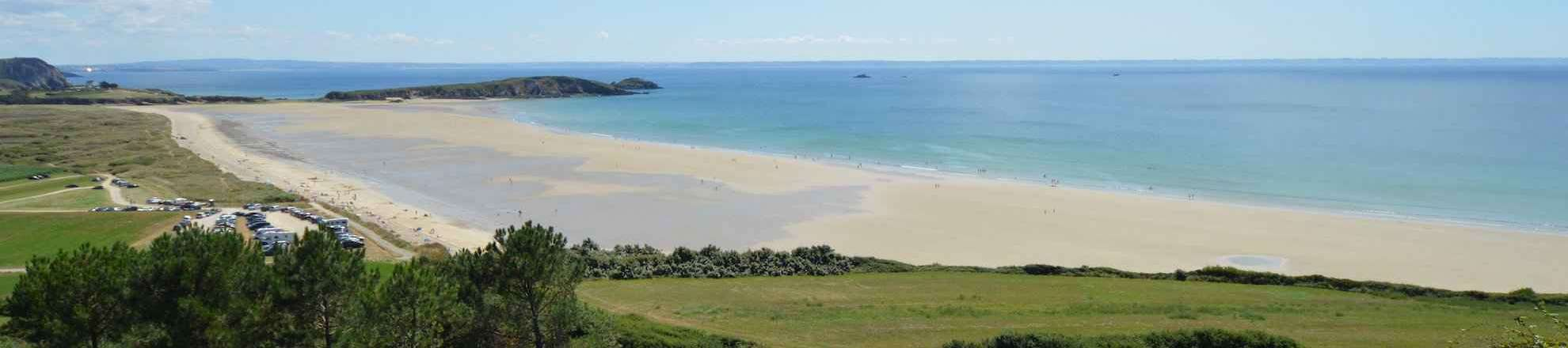 The sandy beach L'Aber on the Crozon peninsula in the south Finistère is a popular kite and surf beach, it lies at the end of the Baie de Douarnenez
